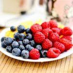 mirtilli e frutta fresca